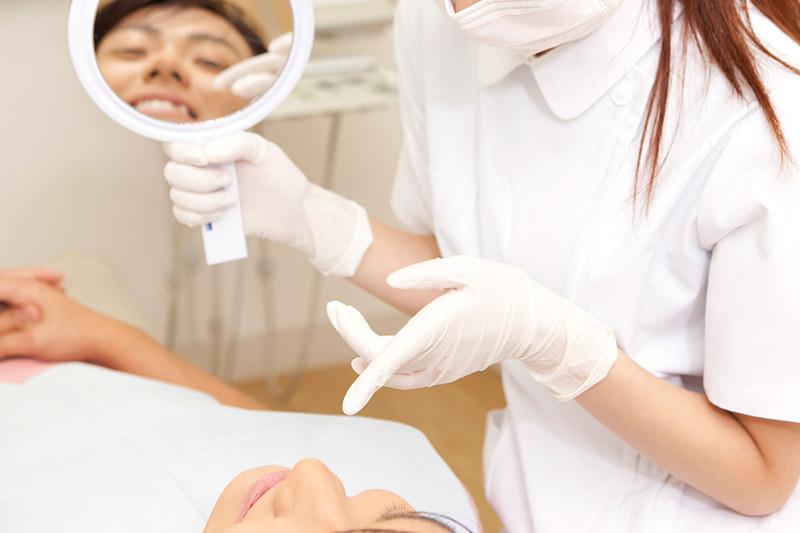補綴物を長持ちさせるために定期的な歯周病ケアを実施します